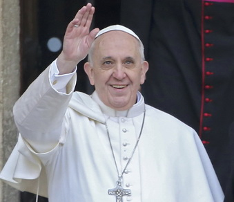 Newly elected Pope Francis, Cardinal Jorge Mario Bergoglio of Argentina (L) waves from the steps of the Santa Maria Maggiore Basilica in Rome, March 14, 2013.  At right is Cardinal Agostino Vallini, Vicar General of Rome at right.   REUTERS/Alessandro Bianchi (ITALY  - Tags: RELIGION POLITICS)